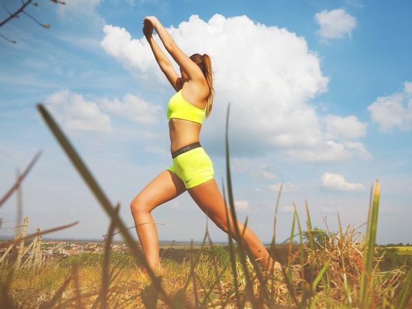 Při cvičení postupujte krok po kroku