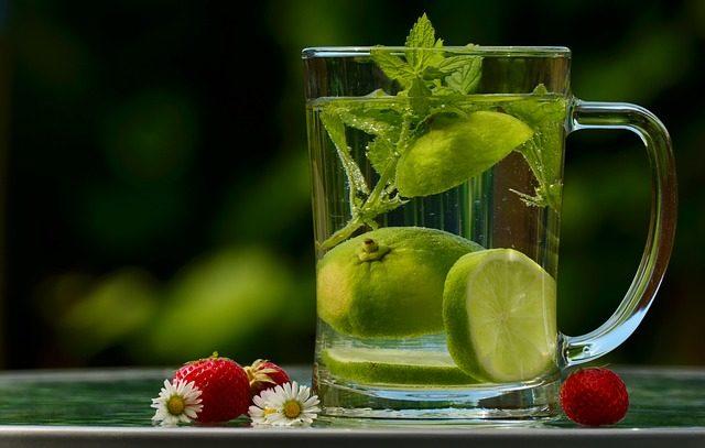Citronová tráva se dá také použít na přípravu čaje.