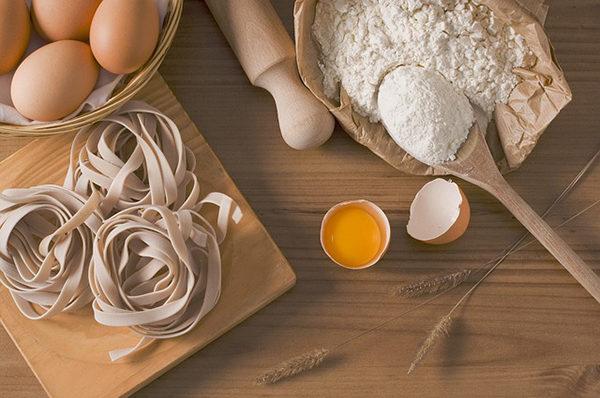 Nezoufejte, lepek lze nahradit chutnými ingrediencemi.