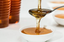 Je med dobrou náhražkou bílého cukru?