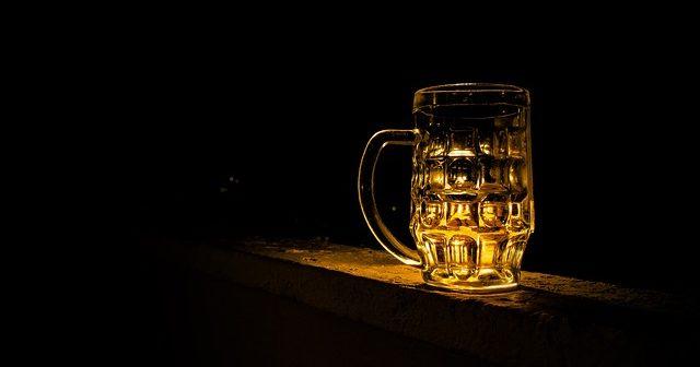 pivo sklo