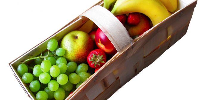 ovoce v kosiku