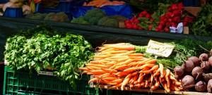 místní zelenina z trhu